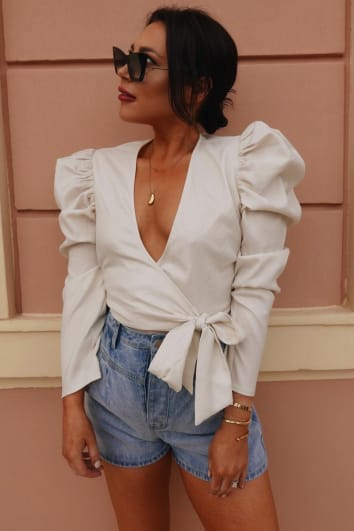 LORNA LUXE 'PRACTICALLY PERFECT' CREAM WRAP TOP