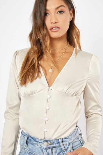 LONDYN NUDE SATIN BUTTON FRONT CROP TOP