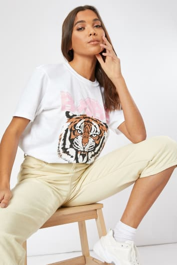 BABE TIGER WHITE GRAPHIC OVERSIZED T SHIRT