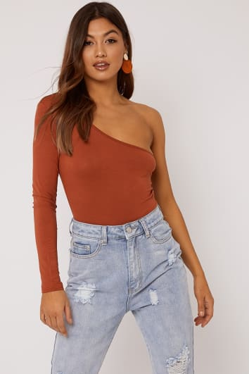 BASIC RUST ONE SHOULDER BODYSUIT