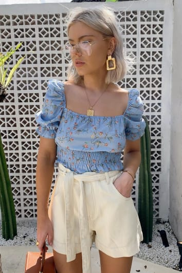 LAURA JADE CREAM DENIM HIGH WAISTED BELTED A-LINE SHORTS