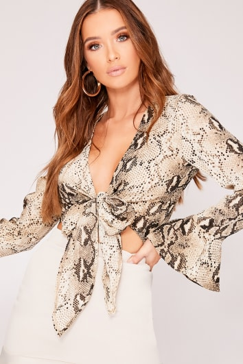 MIKEALA SNAKE PRINT TIE FRONT CROP TOP