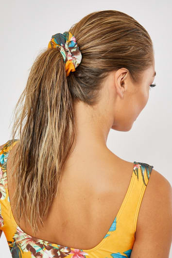 DANI DYER YELLOW TROPICAL PRINT SCRUNCHIE
