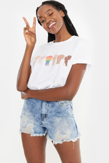 CHESSIE KING WHITE MULTI FIST HAND BOYFRIEND FIT T SHIRT