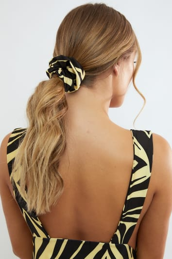 MORGOT YELLOW ZEBRA SCRUNCHIE