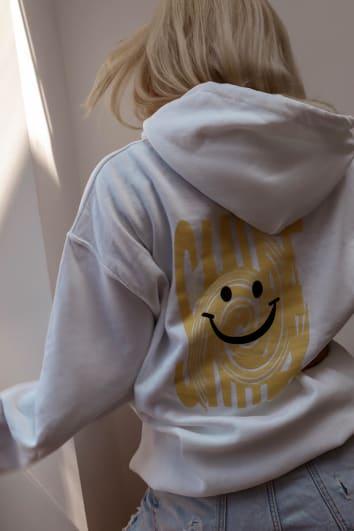 LOTTIE TOMLINSON WHITE SMILE EMOJI PRINT OVERSIZED HOODY