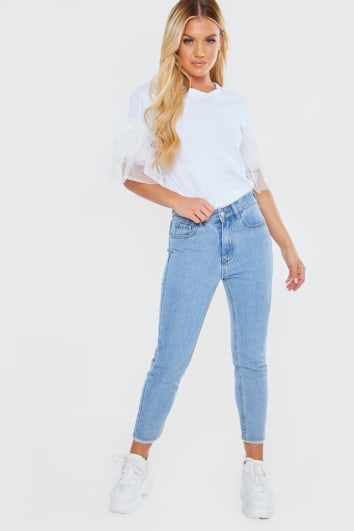 LIGHT WASH DENIM FRAY HEM STAR DETAIL MOM JEANS