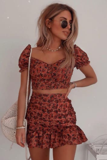 FASHION INFLUX DARK BLUSH FLORAL RUCHED FRILL MINI SKIRT