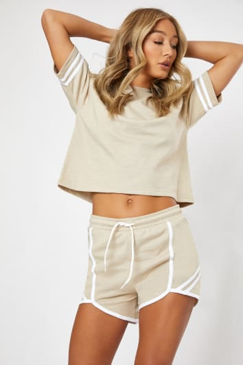 stone sports stripe detail cropped tee