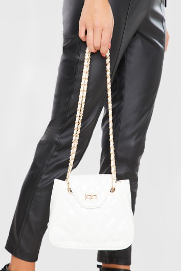 WHITE QUILTED GOLD CHAIN BAG