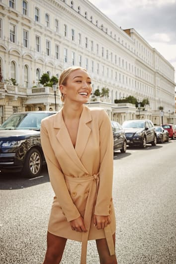 LAILA LOVES STONE TAILORED BELTED BLAZER DRESS