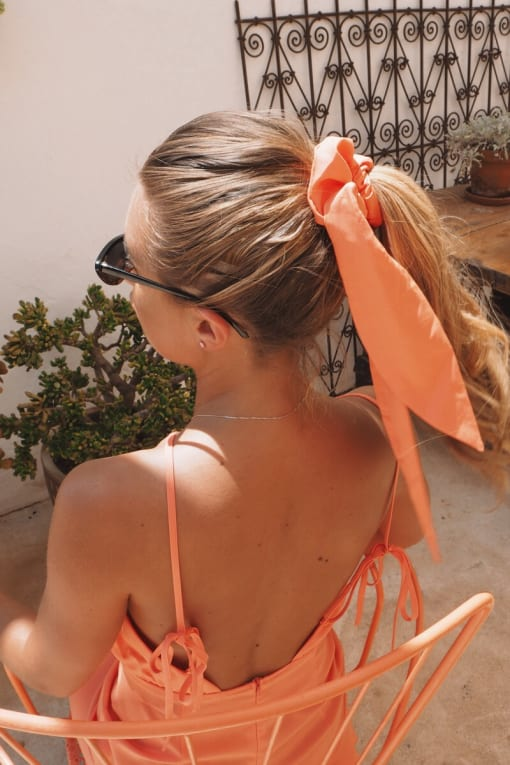 DANI DYER ORANGE SCRUNCHIE HAIR TIE