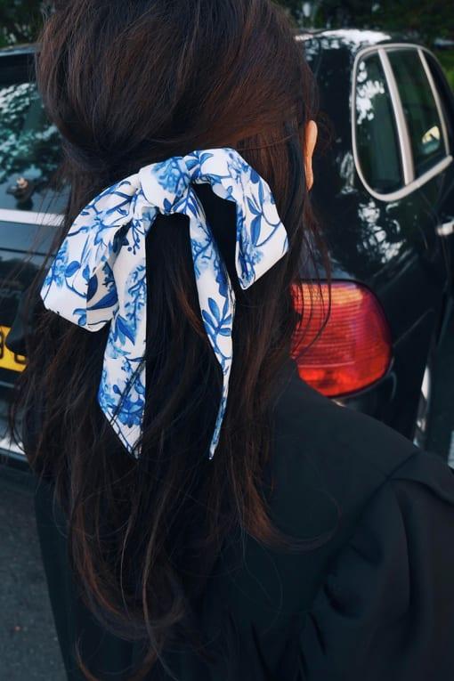 LORNA LUXE BLUE PORCELAIN HAIR TIE