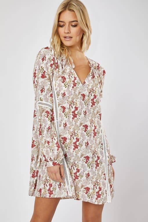 EMILY ATACK WHITE FLORAL TRIM DETAIL BALLOON SLEEVE SWING DRESS