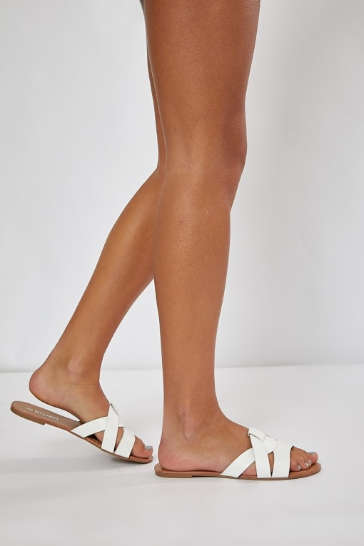 KERUCE WHITE PLAITED DETAIL STRAP SLIDERS