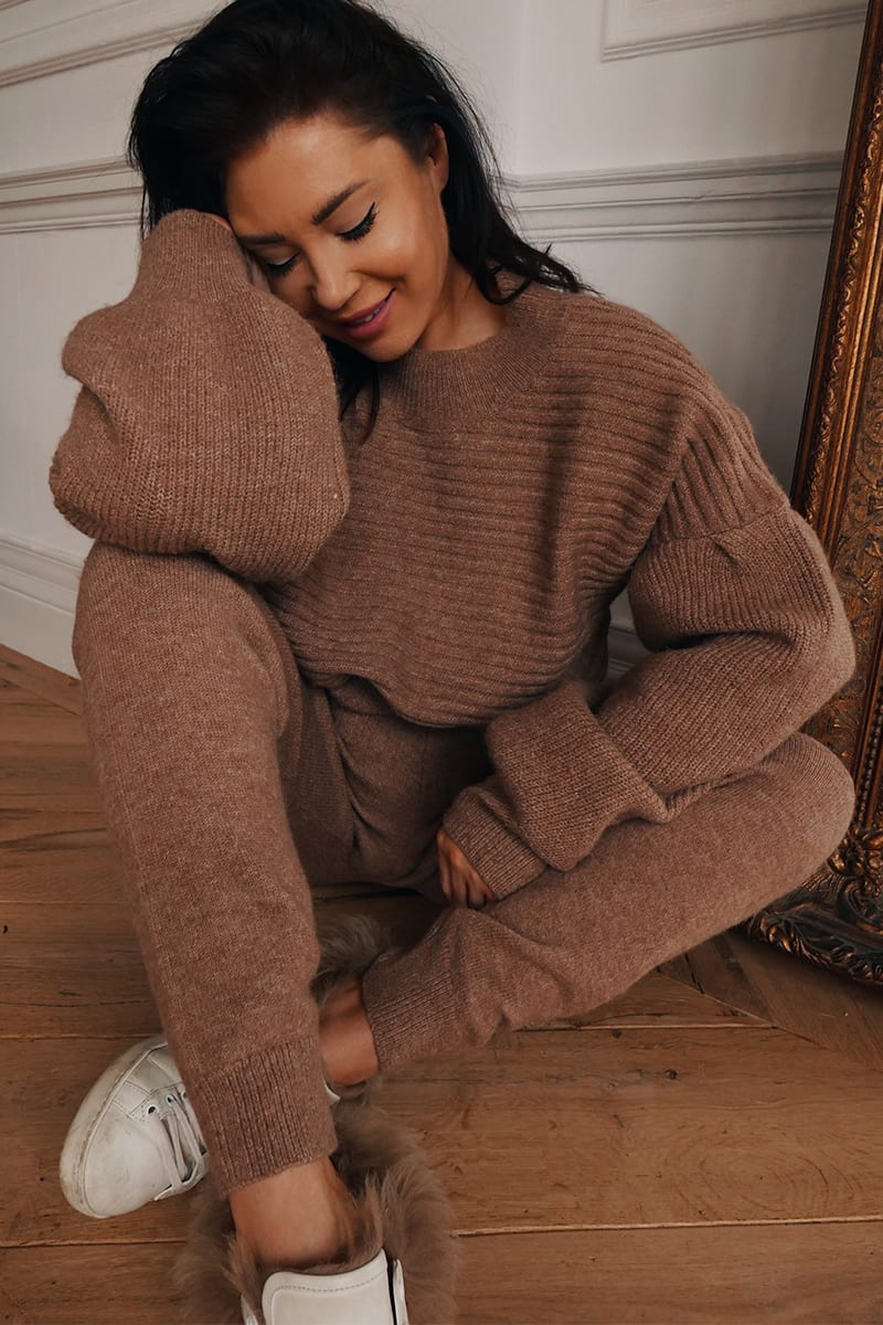 LORNA LUXE BROWN 'DAPHNE' RECLAIMED KNITTED RIB BALLOON SLEEVE JUMPER