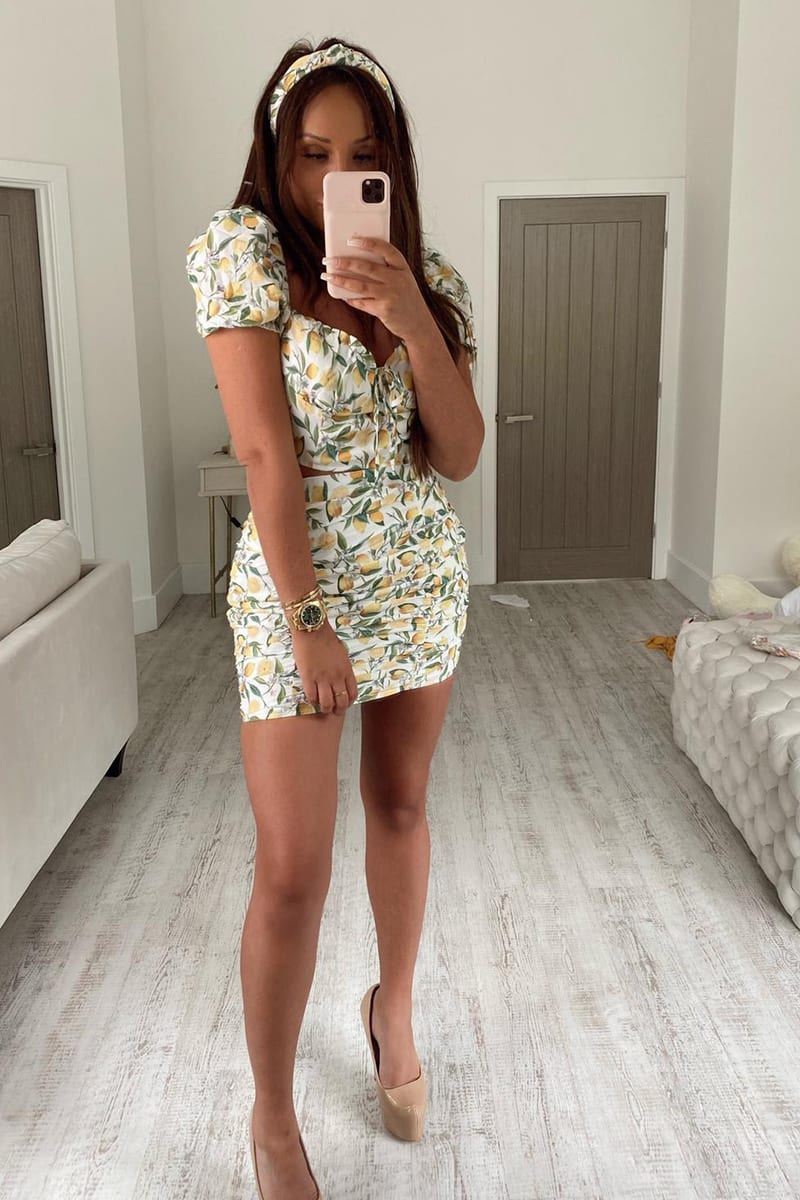 CHARLOTTE CROSBY WHITE LEMON PRINT CO-ORD RUCHED MINI SKIRT