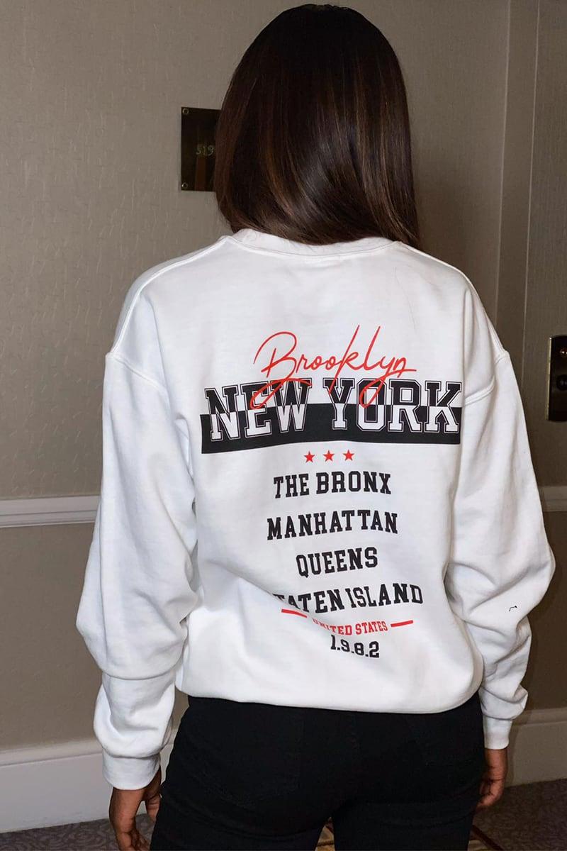 WHITE BROOKLYN NEWYORK SLOGAN OVERSIZED SWEATER