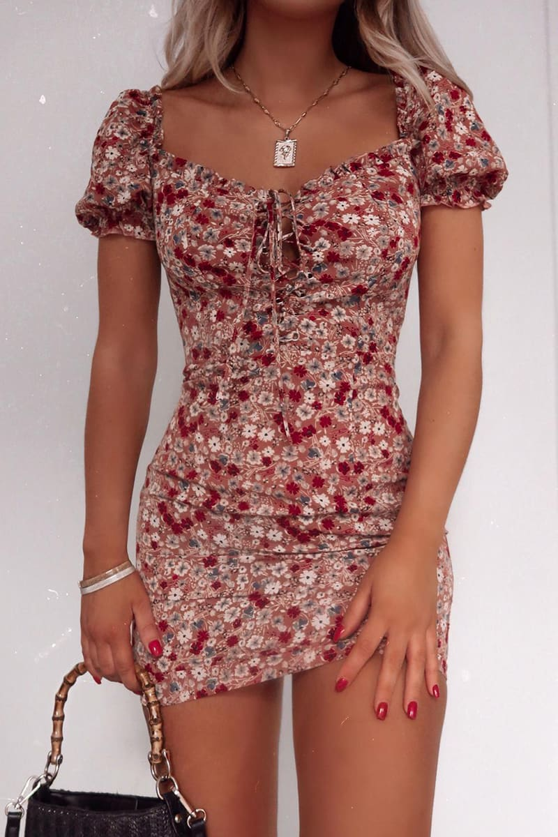 FASHION INFLUX BLUSH FLORAL LACE UP PUFF SLEEVE MINI DRESS