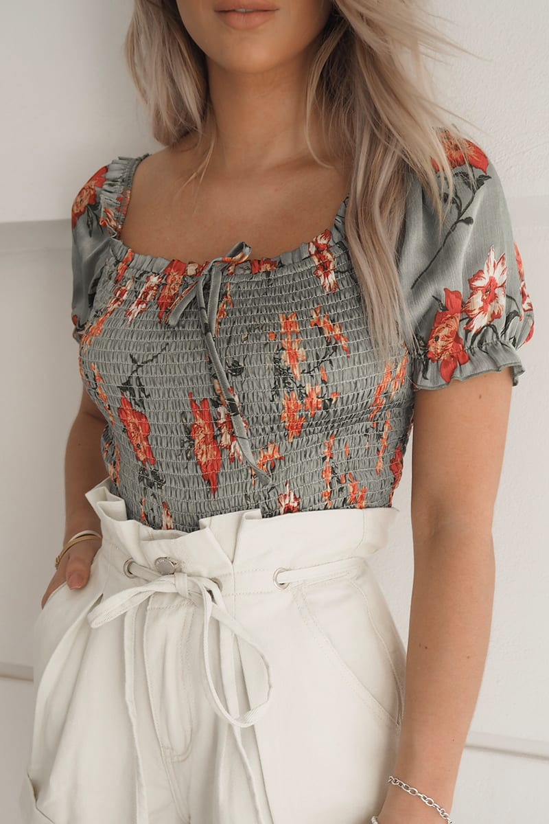 FASHION INFLUX GREEN FLORAL SHIRRED PUFF SLEEVE CROP TOP