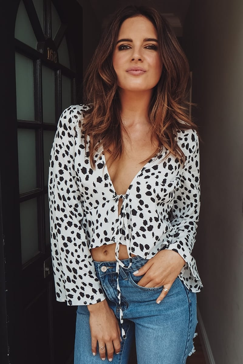 BINKY WHITE ANIMAL PRINT TIE FRONT FLARE SLEEVE CROP TOP
