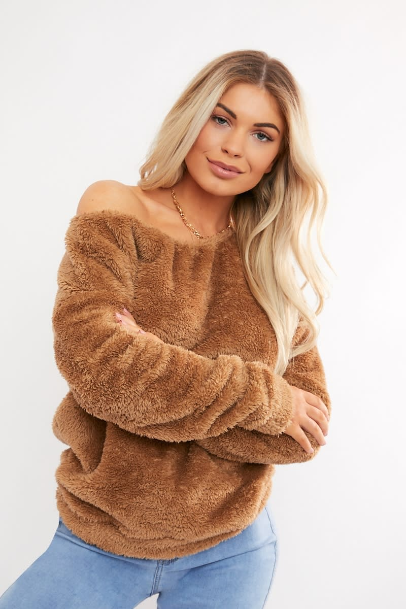 camel teddy fur off shoulder sweat