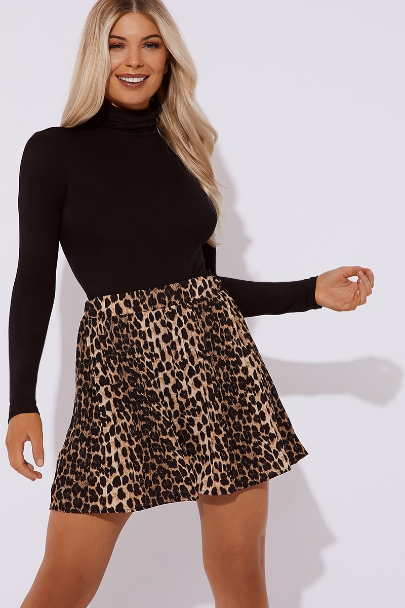 leopard print pleated co-ord shorts