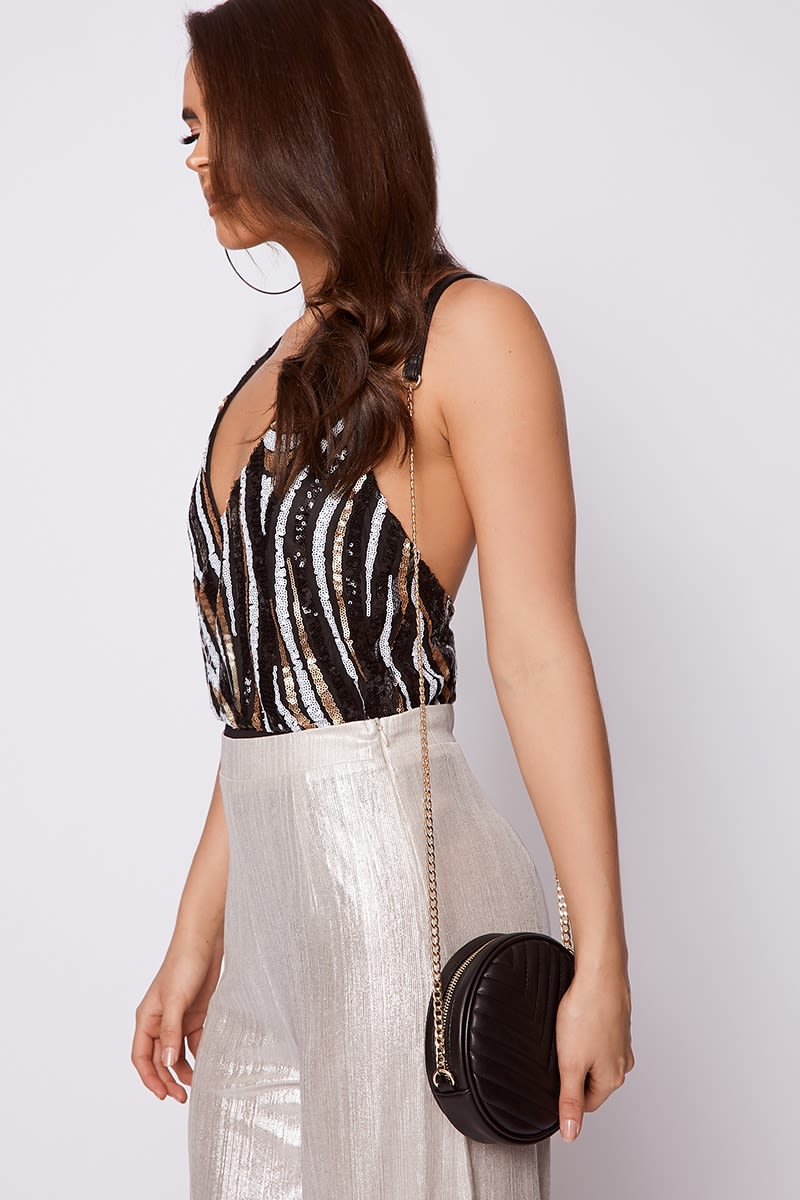BLACK QUILTED ROUND CROSS BODY BAG