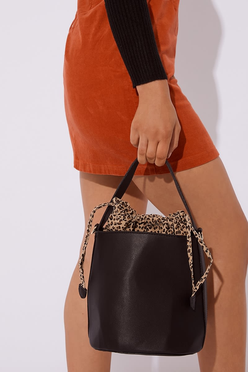 BLACK LEOPARD DETAIL BUCKET BAG