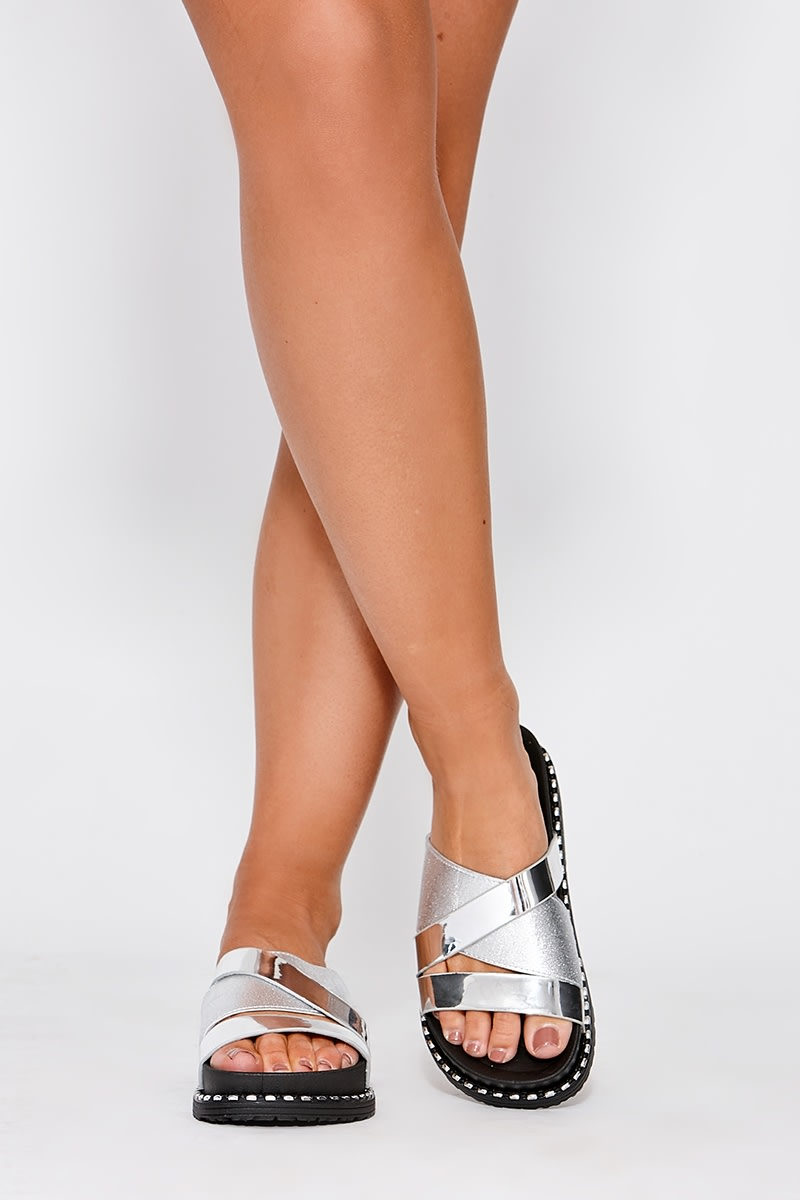 ZELIKI SILVER CROSS STRAP DETAIL STUD SLIDERS