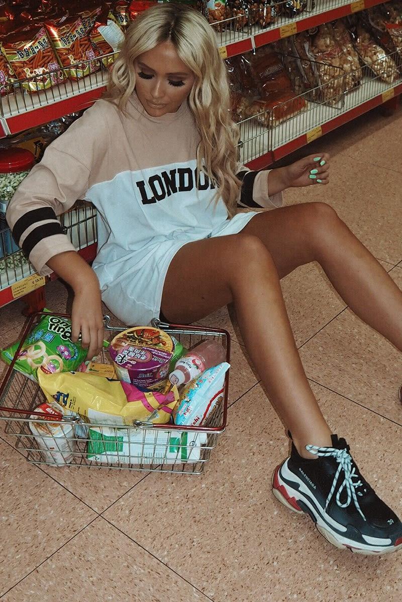 SARAH ASHCROFT STONE STRIPE SLEEVE LONDON T SHIRT DRESS