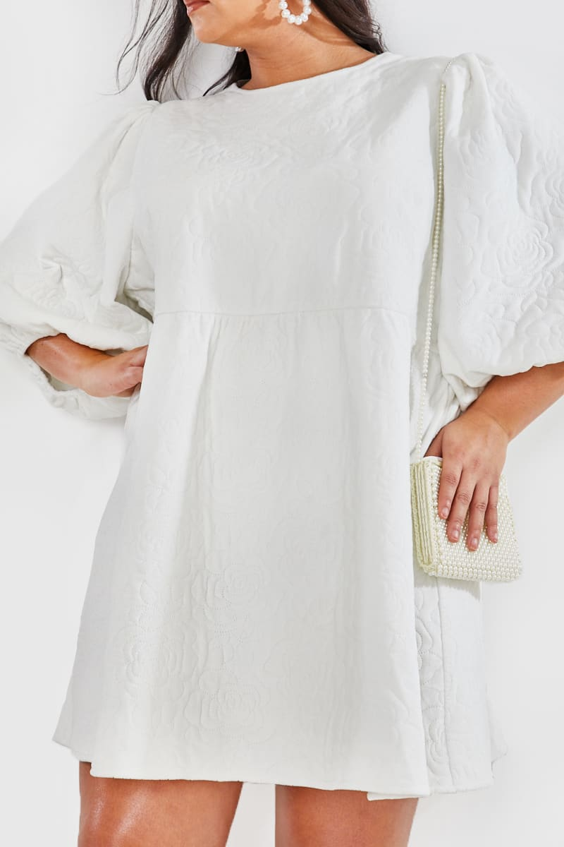 CURVE LORNA LUXE PREMIUM 'HANNAH' OFF WHITE QUILTED OVERSIZED BALLOON SLEEVE TRAPEZE DRESS