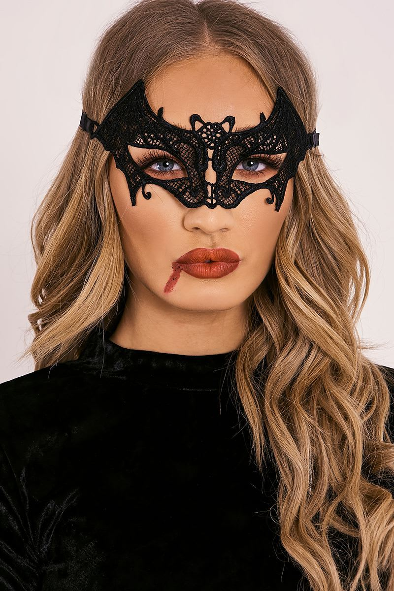 VAMPIRE BLACK LACE MASK