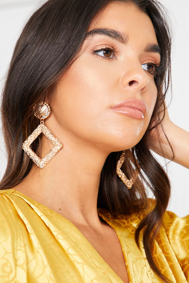 GOLD SQUARE DROP TEXTURED EARRINGS