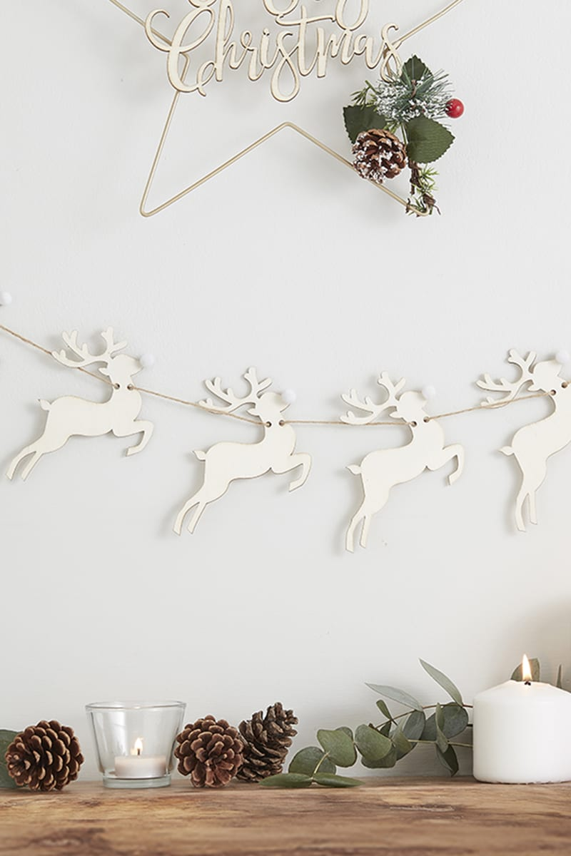 GINGER RAY WOODEN REINDEER BUNTING