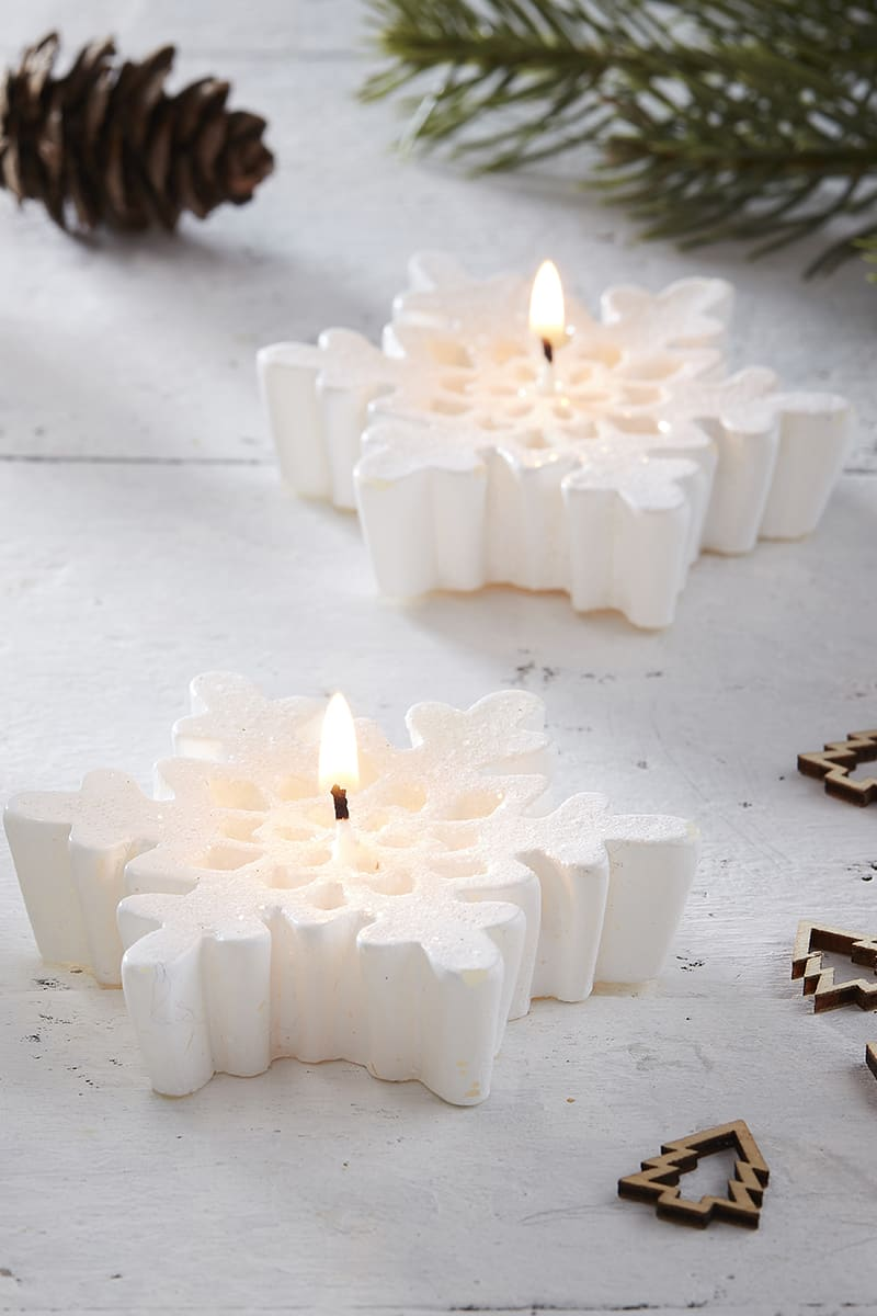GINGER RAY WHITE SNOWFLAKE GLITTER CANDLES