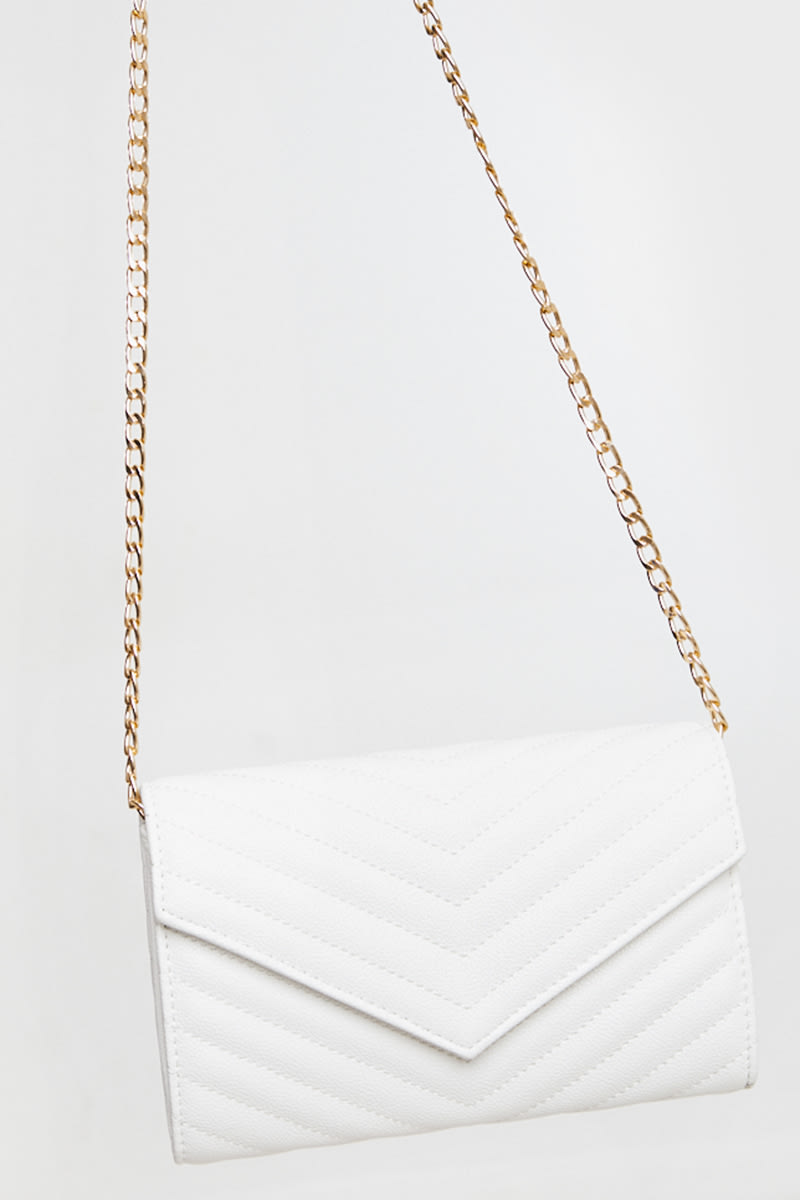 WHITE FAUX LEATHER ENVELOPE CLUTCH BAG WITH CHAIN