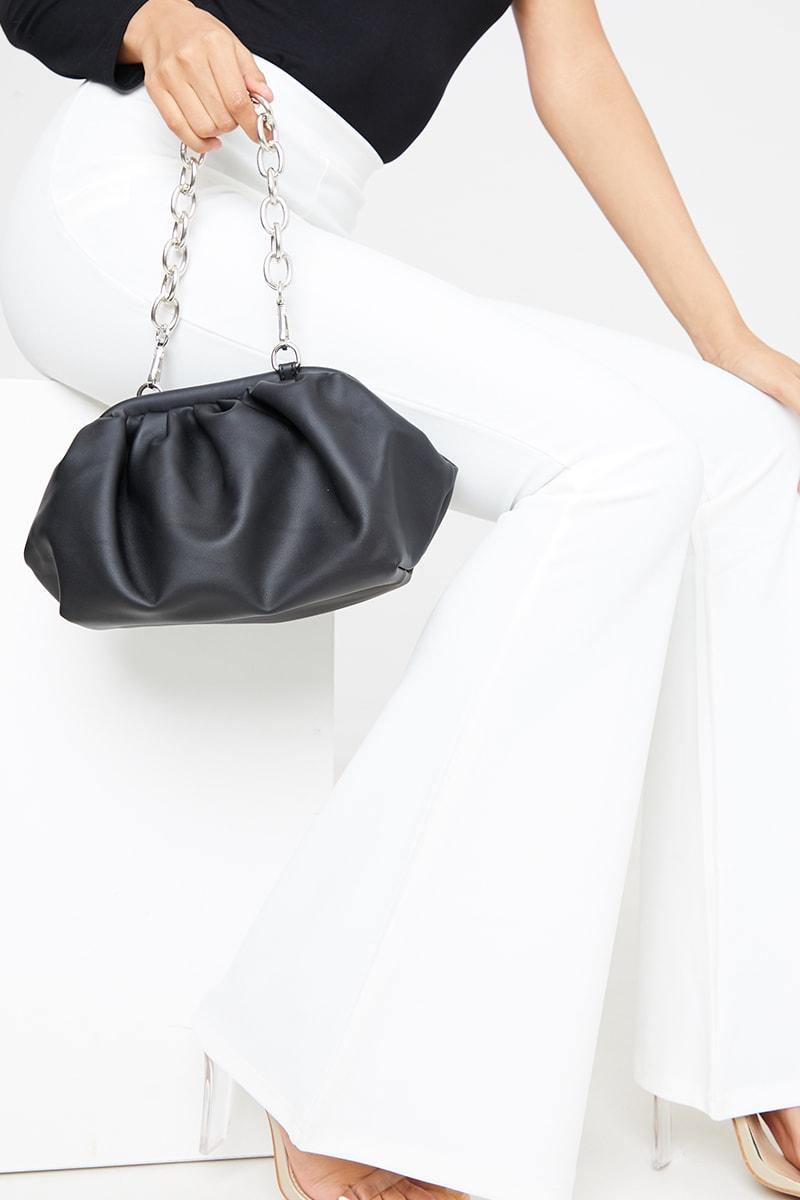 BLACK GATHERED PU BAG WITH CHUNKY CHAIN