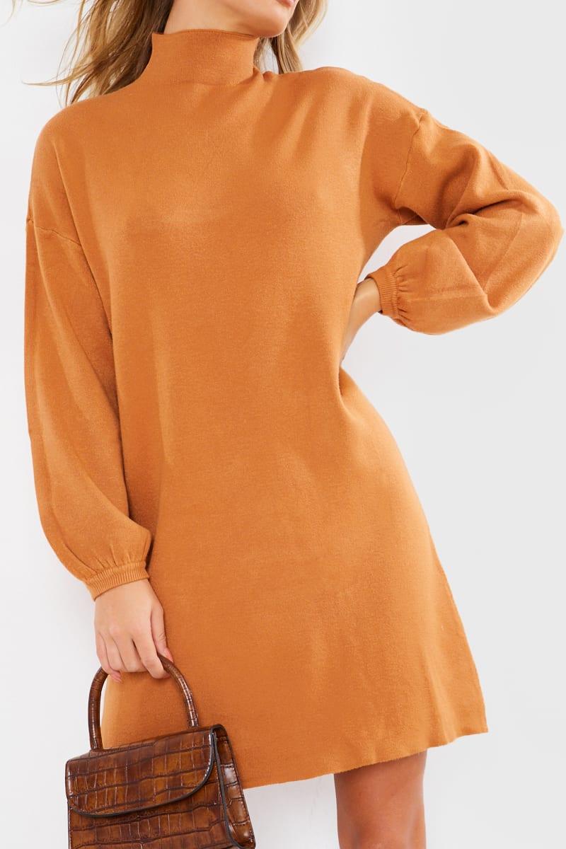 CAMEL HIGH NECK OVERSIZED KNITTED MINI JUMPER DRESS