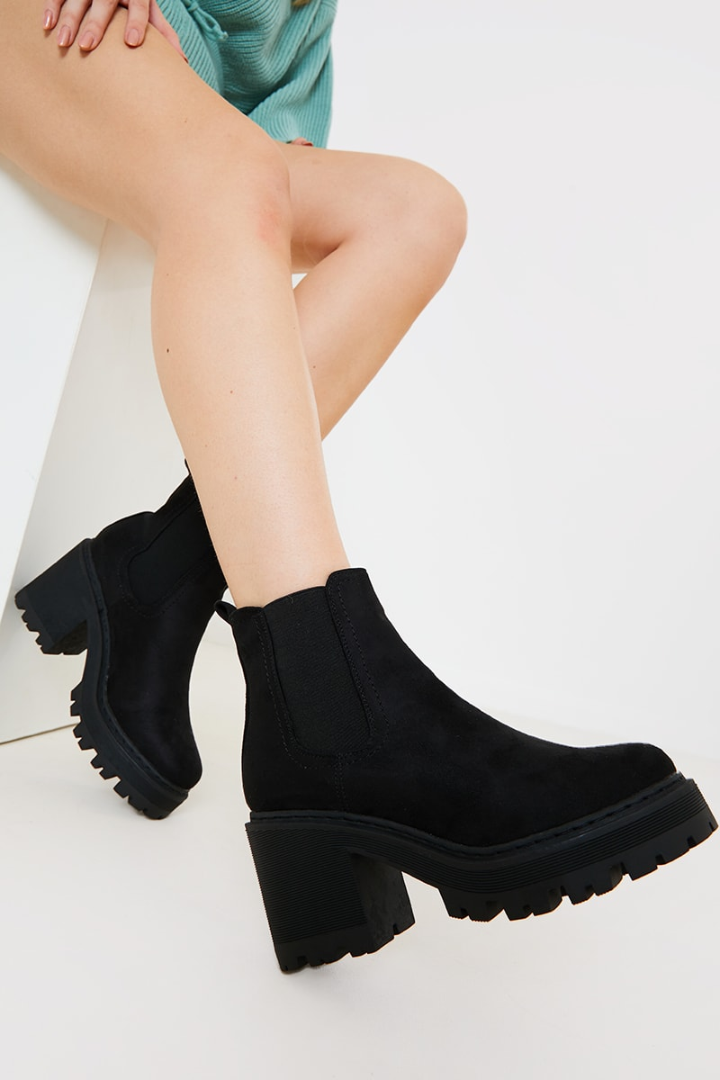 Black Chunky Heeled Chelsea Boot | In