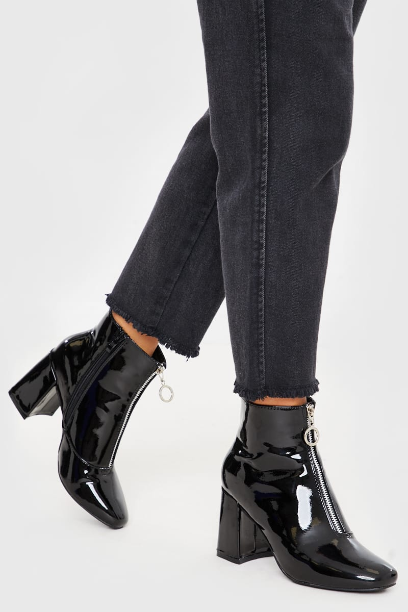 BLACK CRINKLE ZIP DETAIL PATENT BOOTS