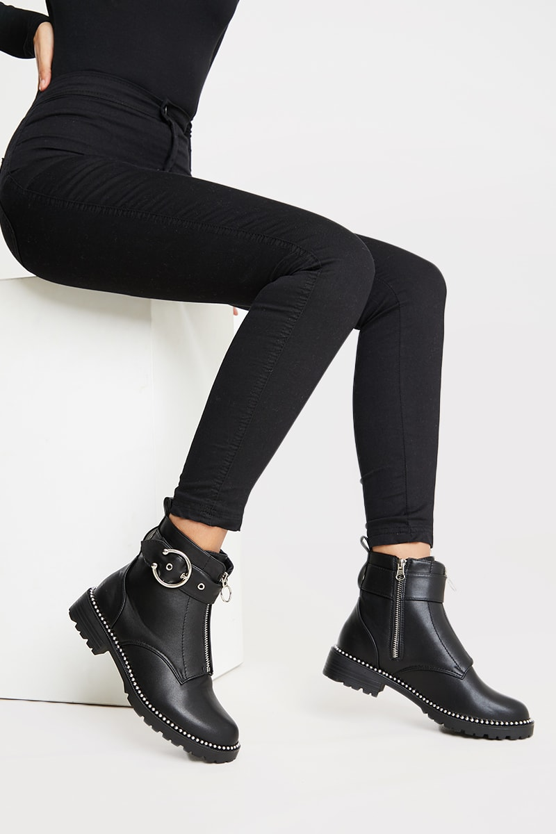 BLACK BUCKLE STRAP DETAIL PU BOOTS