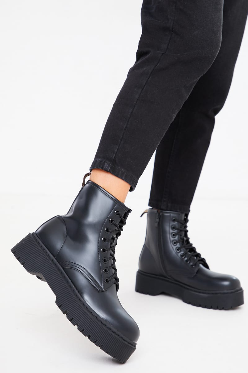 BLACK LACE UP CHUNKY PLATFORM BIKER BOOTS
