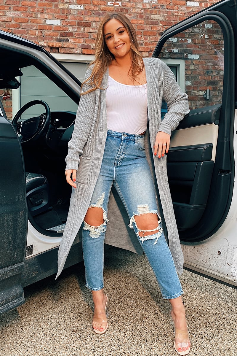 BLUE WASHED EXTREME RIPPED KNEE MOM JEANS
