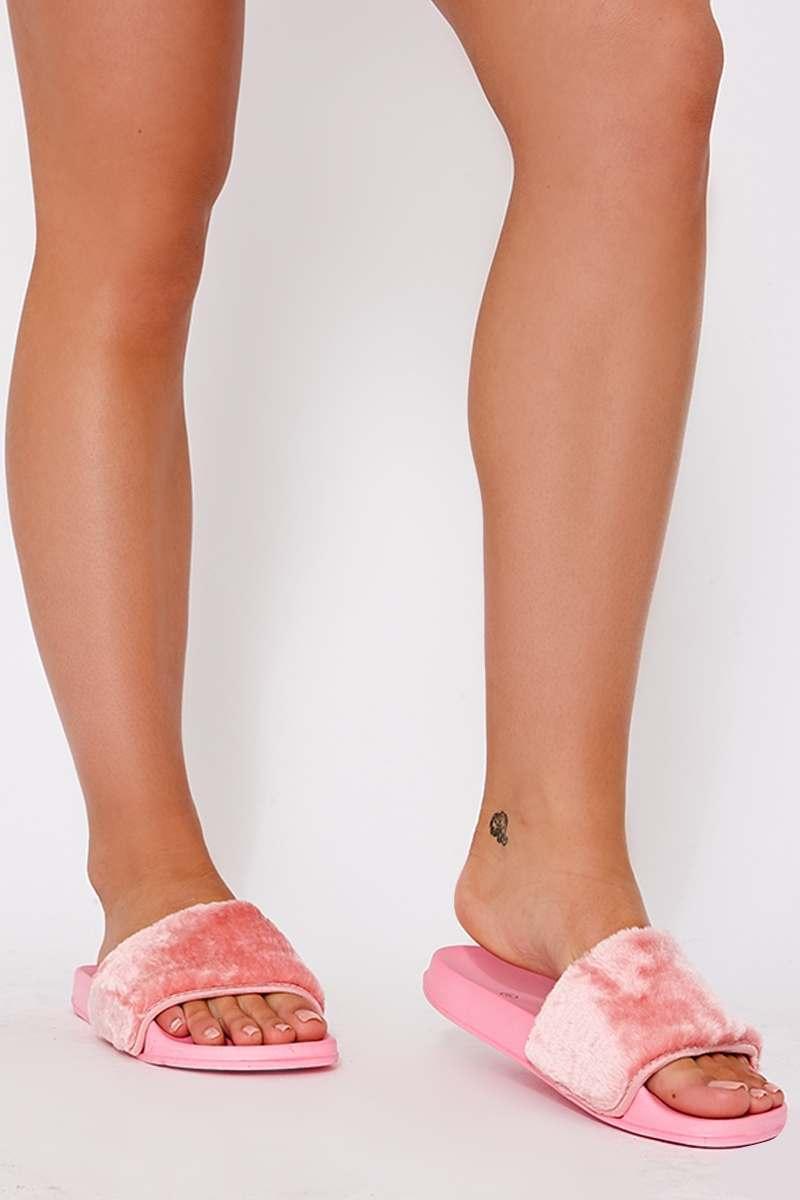 pink faux fur sliders
