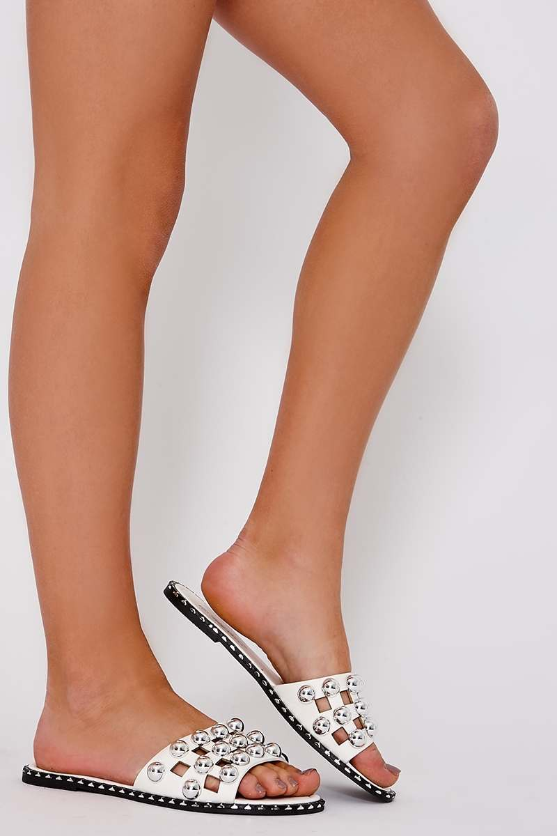MYA WHITE FAUX LEATHER ROUND STUD SLIDERS
