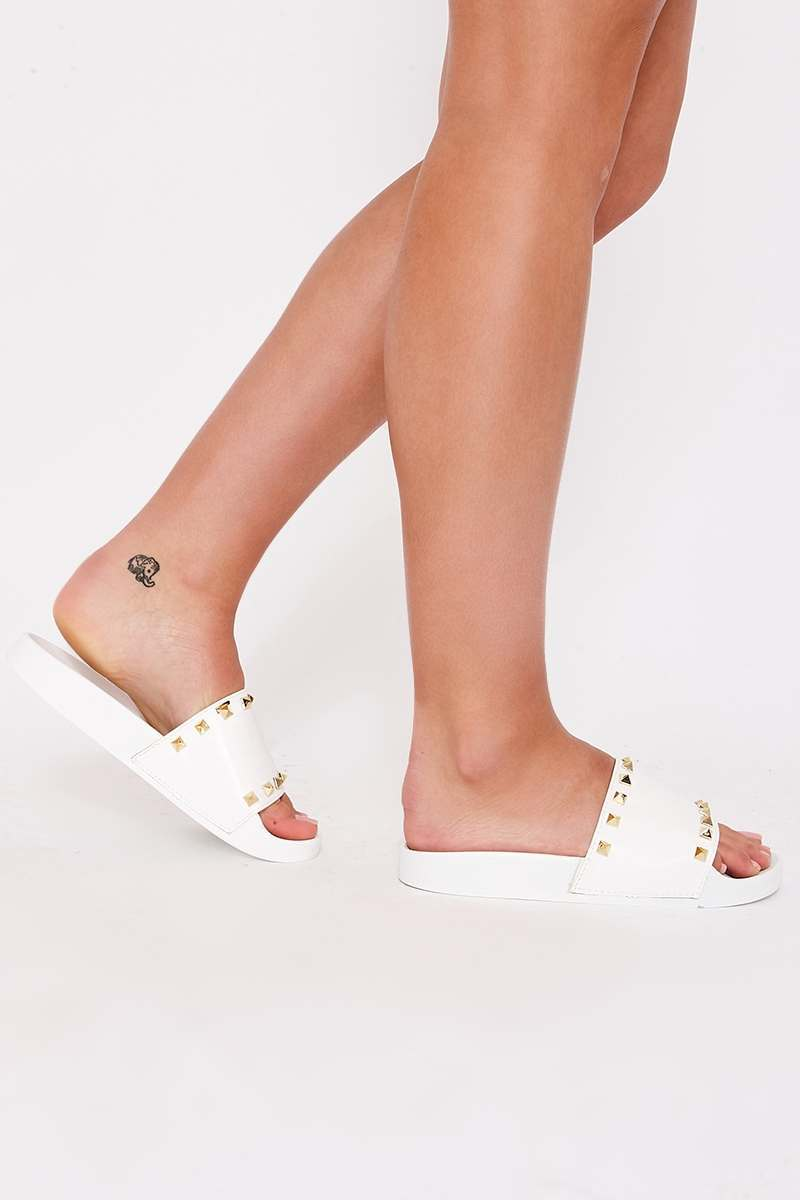 HELLAINE WHITE STUDDED SLIDERS