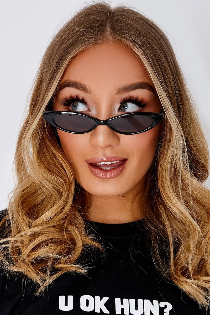 BLACK EXTREME CAT EYE RETRO SUNGLASSES
