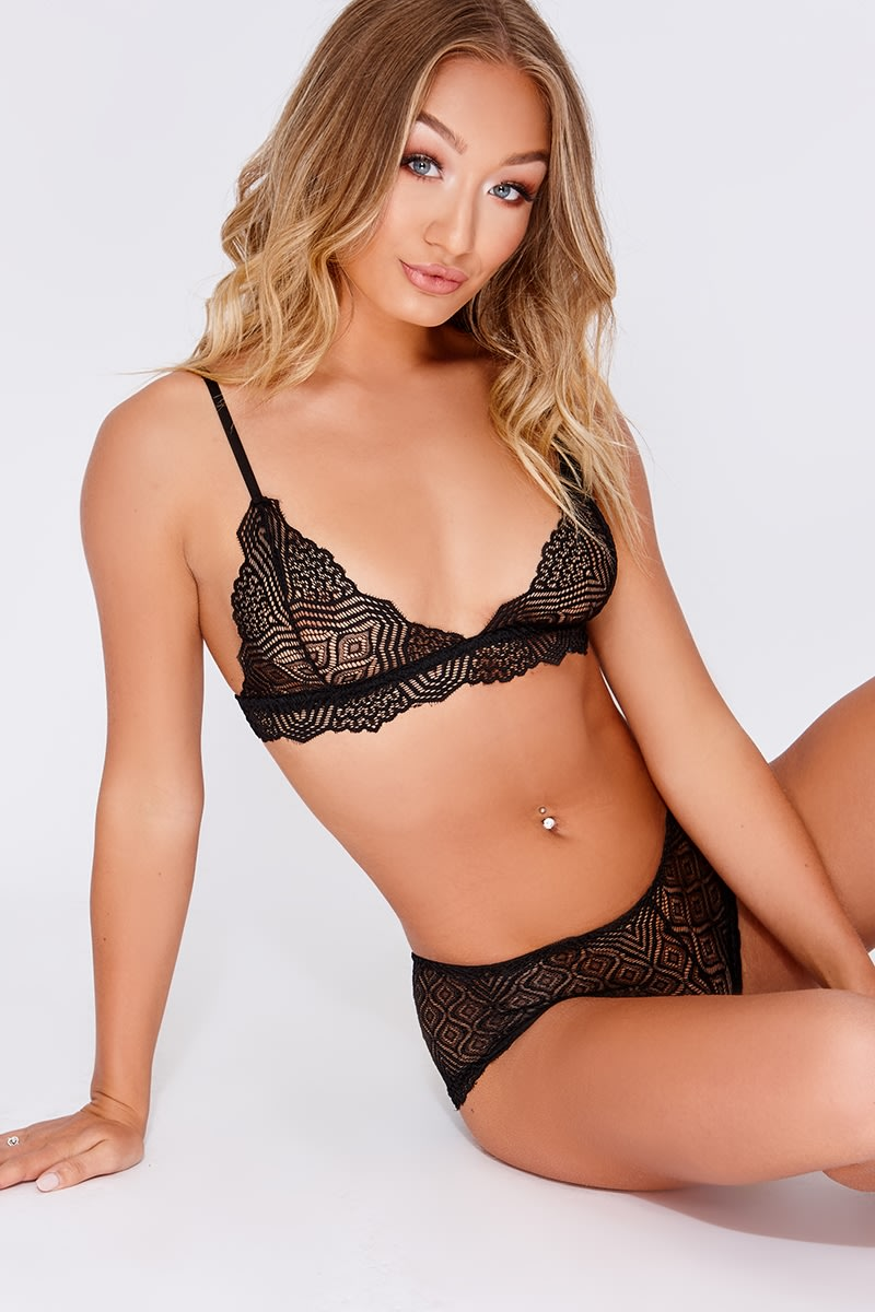 black lace bra & knickers set