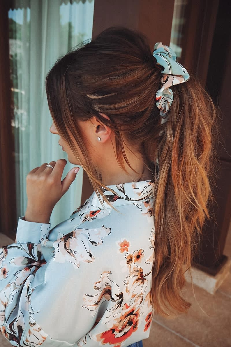 DANI DYER GREEN FLORAL SCRUNCHIE